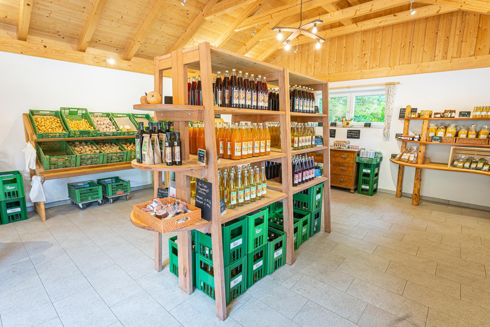Lackner Hofkellerei Hofladen in Walding laesst keine Wuensche offen